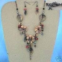 LEAF & FLOWER DESIGN NECKLACE AND EARRING SET