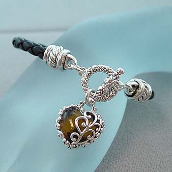 TORTOISE HEART WITH SILVER CASTING TOGGLE BRACELET