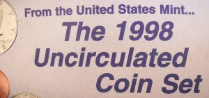 """1998 U.S. Mint UN-Circulated Coin Set. """"P"""" and """"D"""" Minted Coins."""