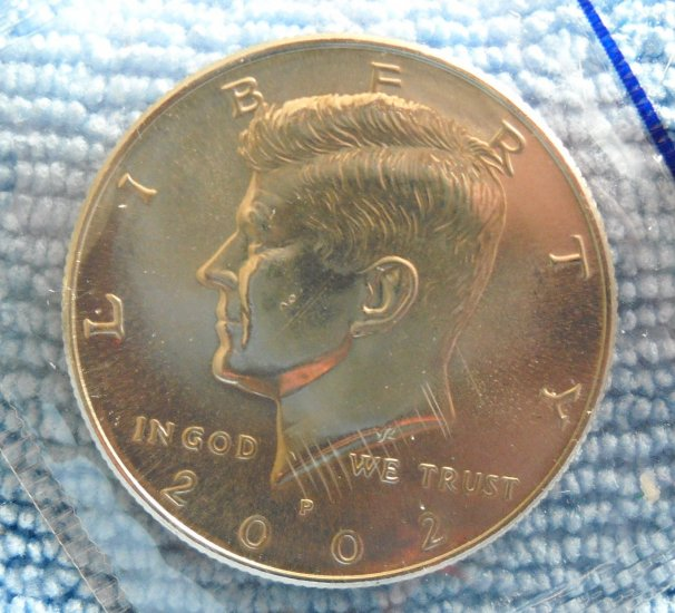 """2002-P Kennedy Half Dollar. """"CHOICE BU"""""""