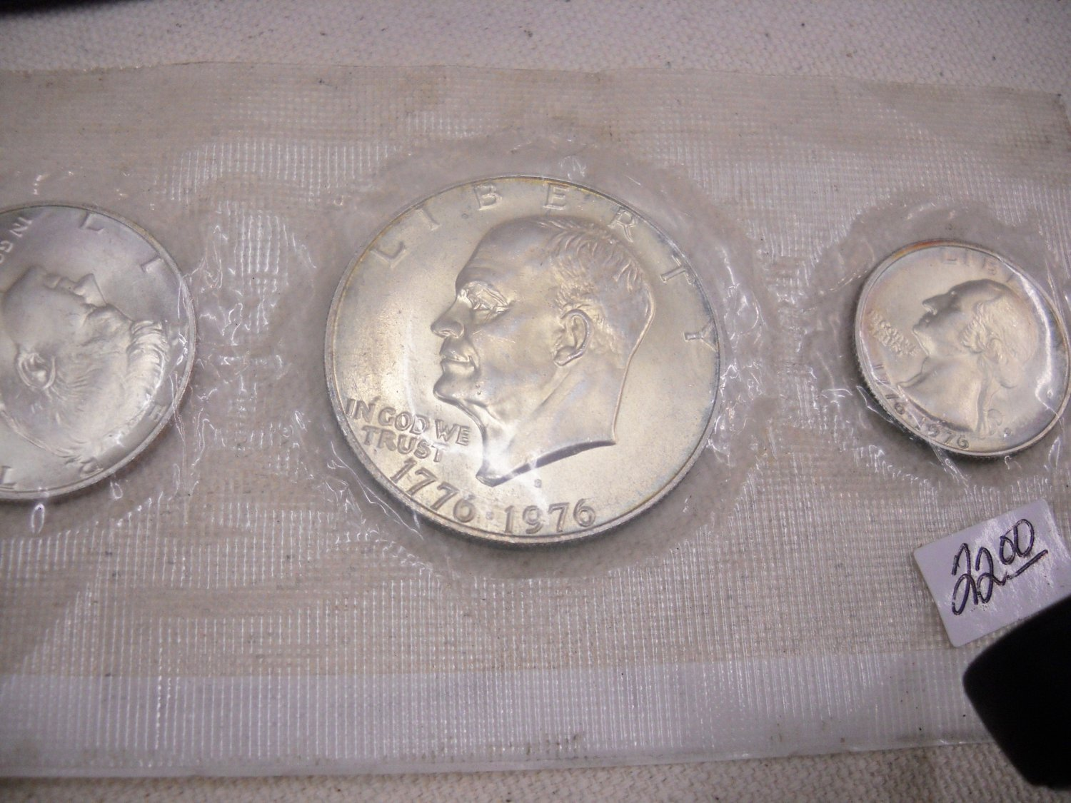Eisenhower Brilliant UN-Circualted, 3 Piece Mint Set.