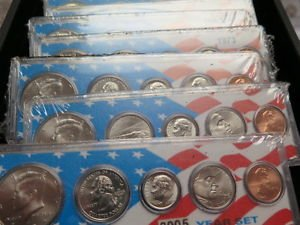 2002 5 Coin Year Set.  Encased Holder WIth Nice Insert. Nice Stocking Stuffer.