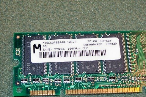 Micron 256MB Memory Module (SODIMM, 200-pin PC2700 ) - MT8VDDT3264HDG-335C3