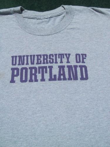 UNIVERSITY of PORTLAND oregon MEDIUM T-SHIRT college