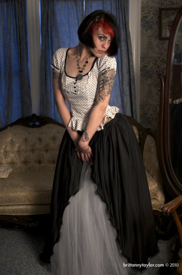 Small Victorian Gothic Beauty formal floor length Ball gown prom skirt