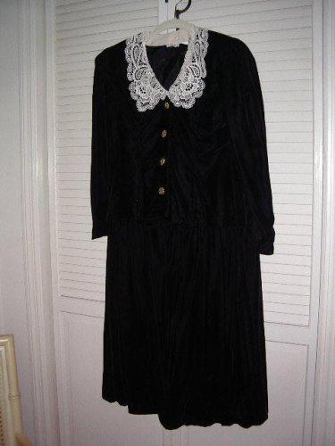 Nancy Johnson Velvet 2 piece w removable Battenburg Lace Collar Petite Size 10