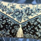RARE BARB BAATZ BLUE TOILE PURSE STYLE FUN NEEDLEPOINT PILLOW KIT