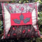 PRIMITIVE FOLK ART PILLOW PATTERN CHART CHRISTMAS HOLLY GATHERING FELT EMBROIDERY