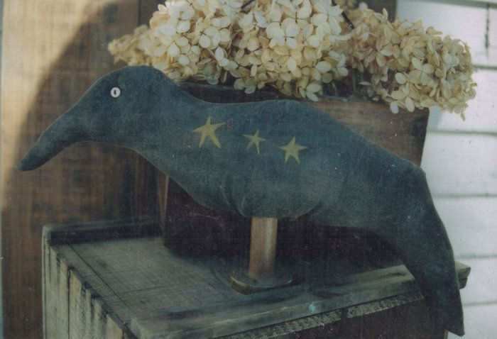 Primitive Bird Crow On Wooden Spool Pattern