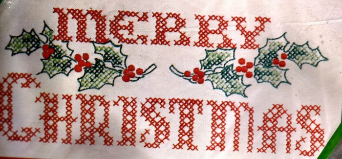 RARE VINTAGE HOLIDAY SAMPLER STAMPED CROSS STITCH KIT MERRY CHRISTMAS