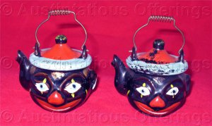 Vintage Black  Americana Folk Art Clown Tea kettle Salt and Pepper shakers