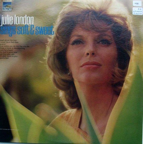 Sings Soft and Sweet / julie london