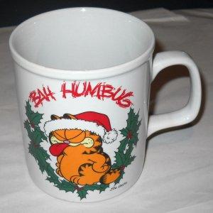 Vintage '78 Retro GARFIELD Christmas Coffee Cup Mug Wreath Hat