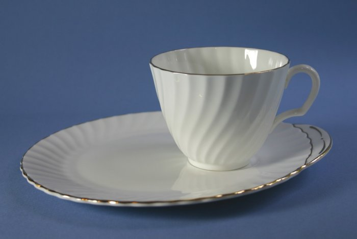 Royal Adderley GOLDEN ELEGANCE Snack Plate and Cup Sets