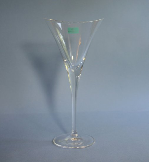 "Hoya Crystal Japan DESIRE - CLEAR 8"" Wine Glass"