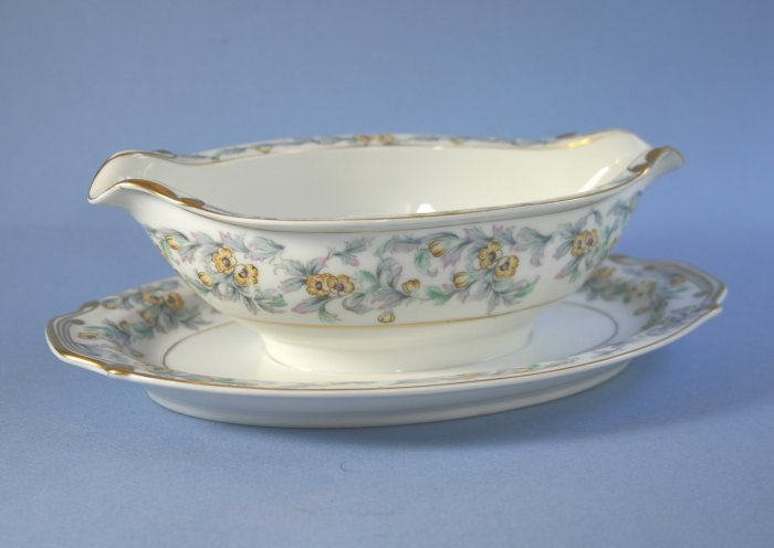 Adline Jonquil Gravy Boat with Attached Underplate