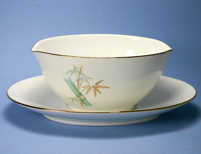Noritake Oriental Gravy Boat with Attached Underplate