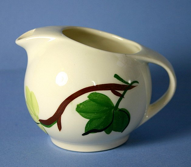 SPI - Southern Potteries - Blue Ridge Hand Painted #4158 PLANTATION IVY 8 oz Creamer