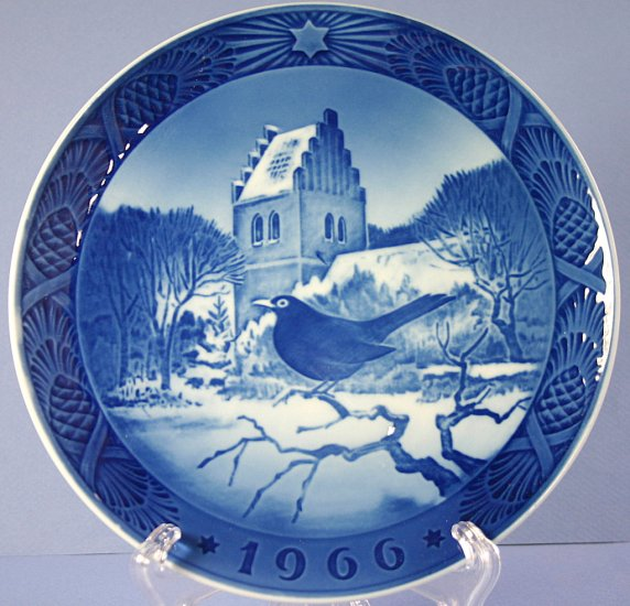 Royal Copenhagen 1966 Christmas Plate Blackbird And Church