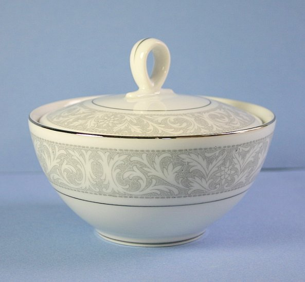Imperial China (Japan) Whitney Sugar Bowl and Lid