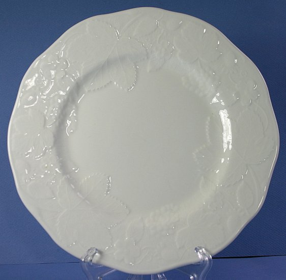 "Wedgwood STRAWBERRY & VINE (BONE) 8"" Salad Plate"