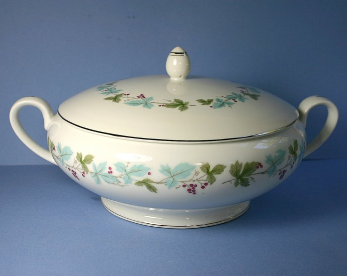 Fine China of Japan Vintage Round Covered Vegetable Bowl
