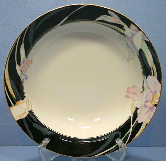 Mikasa Charisma Black Round Vegetable Bowl