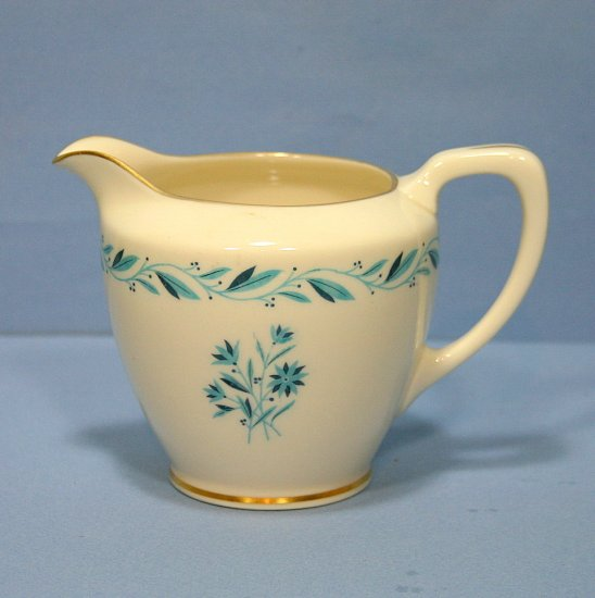 Lenox BLUERIDGE 10 oz Creamer