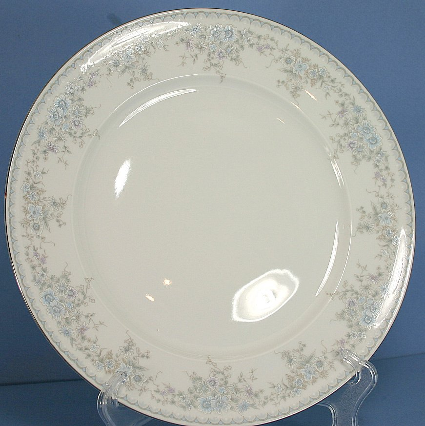 "Johann Haviland (Bavaria) Royal Lace 10"" Dinner Plate"