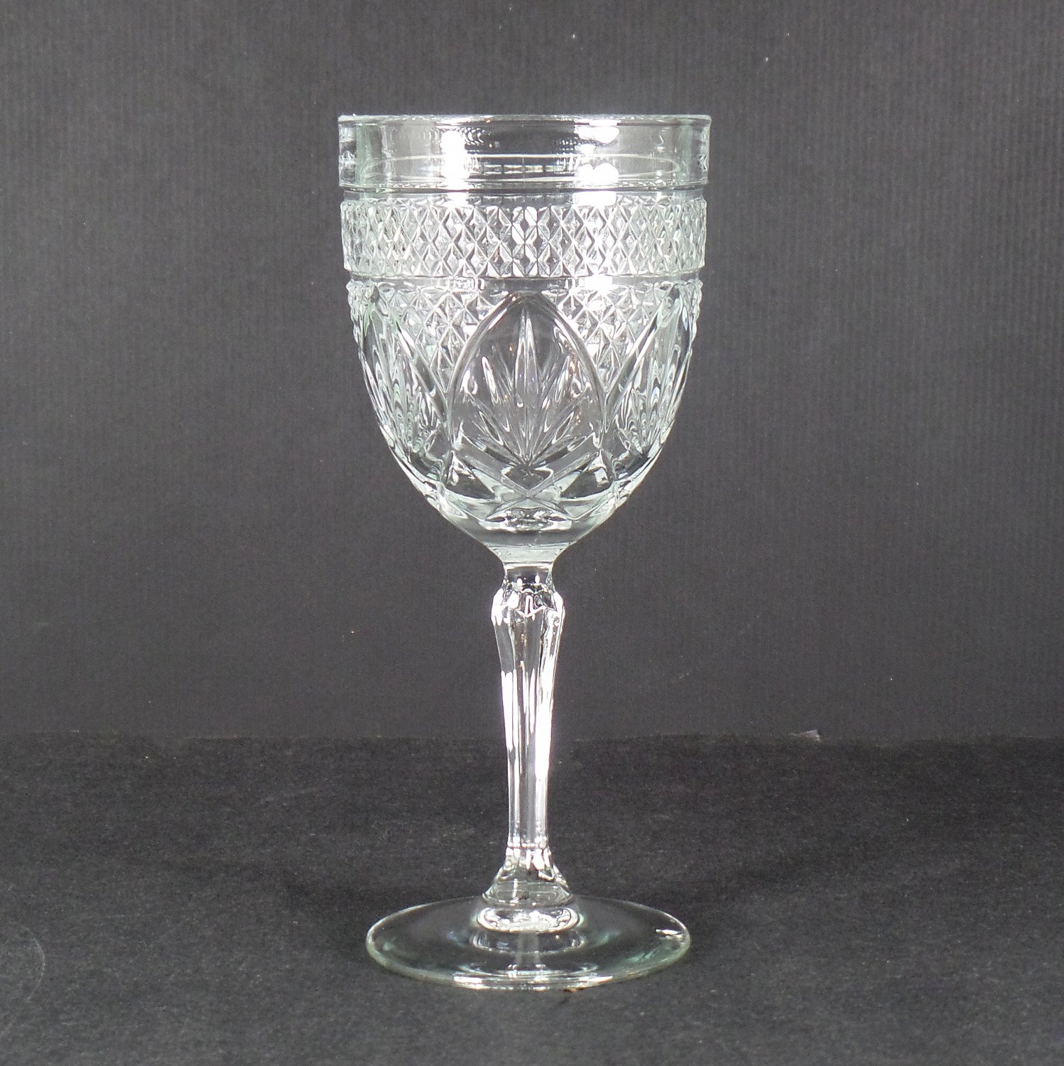 Cristal D'Arques Durand Antique Clear (6-Sided Stem) Wine Glass