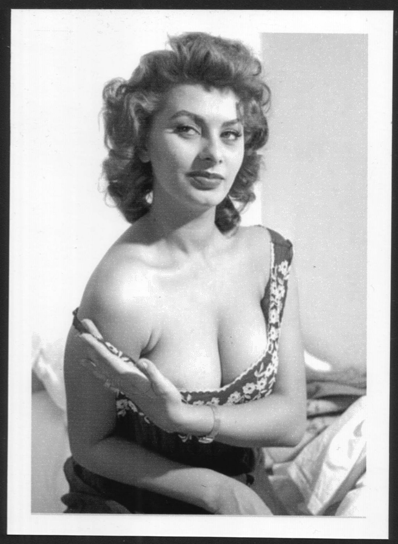 Оргазм зрелые женщины ретро итальянское пышная женщина