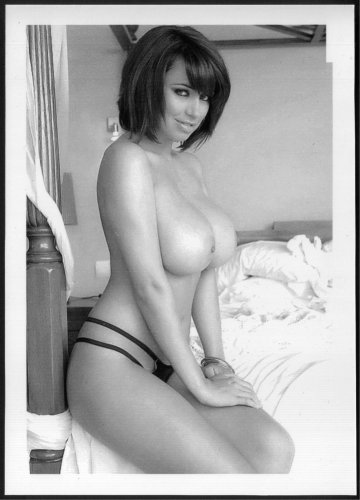 SOPHIE HOWARD TOPLESS NUDE NEW REPRINT PHOTO 5X7   #18