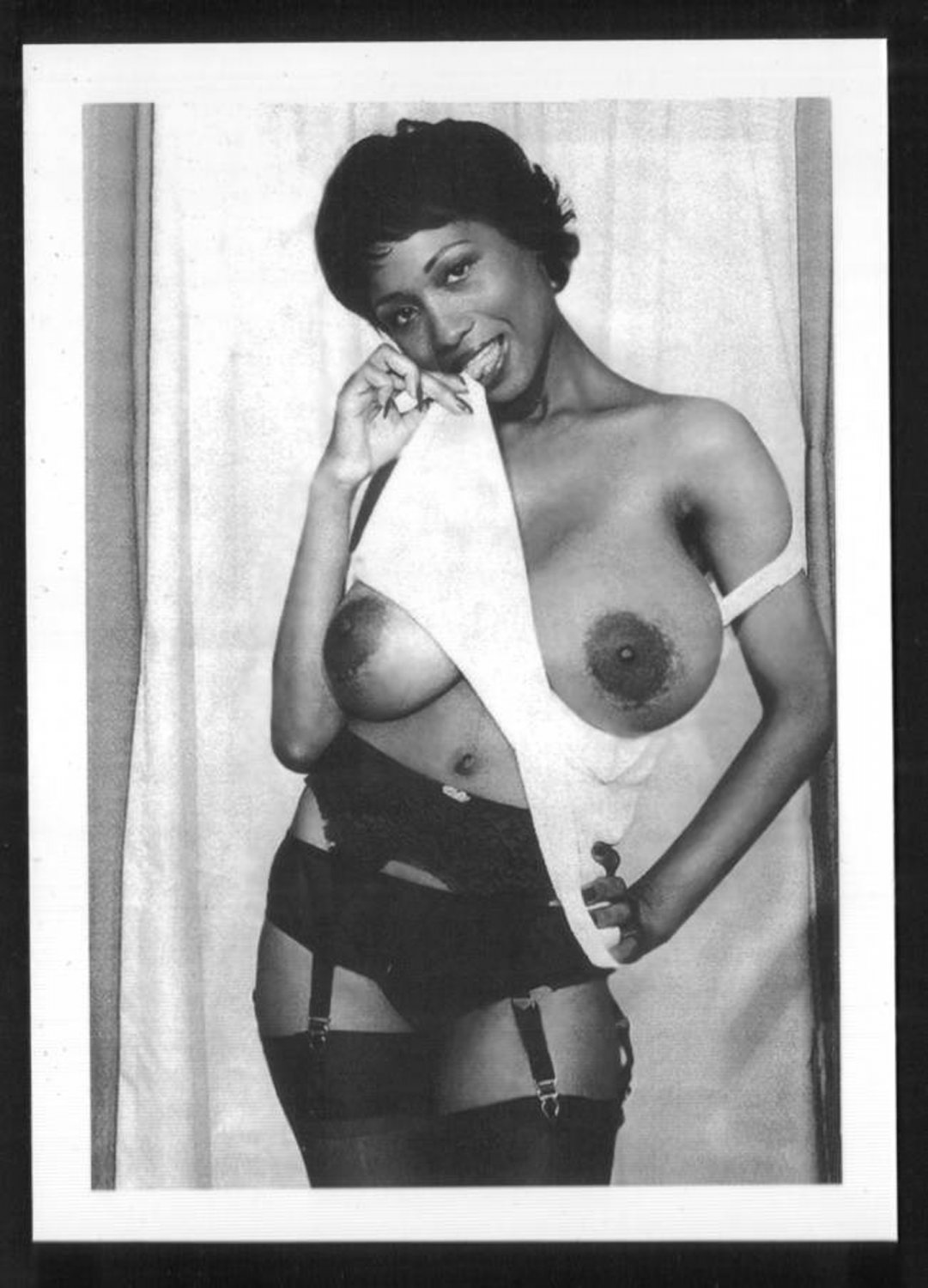 EBONY SYLVIA MCFARLAND TOPLESS NUDE HUGE BREASTS NEW REPRINT 5X7 SM-89