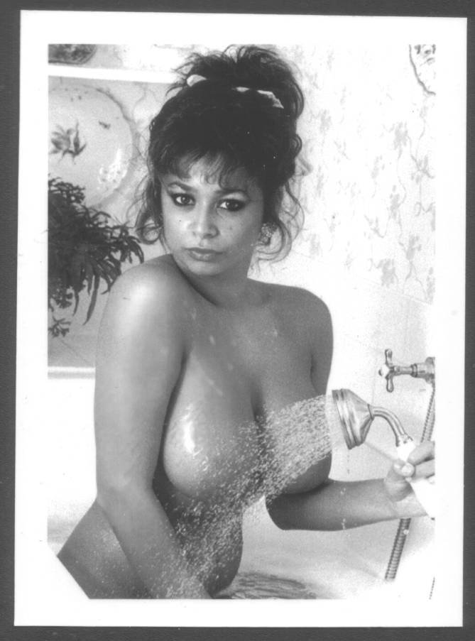 MARIA WHITTAKER TOPLESS NUDE BREASTS NEW REPRINT 5X7  #7