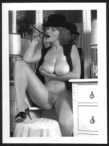 LISA DELEEUW TOPLESS NUDE REPRINT PHOTO 5X7 LD12