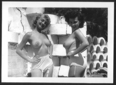 DONNA BROWN & BLONDE TOPLESS NUDE HUGE BREASTS  REPRINT PHOTO 5X7  DB-77