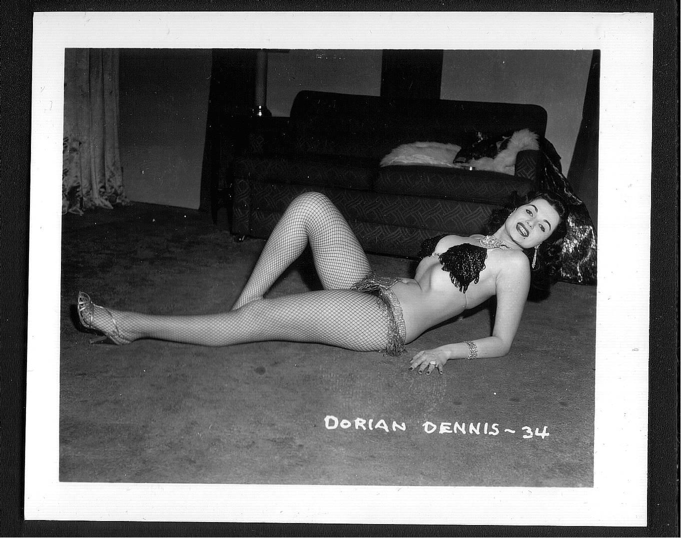 STRIPPER DORIAN DENNIS BUSTY BOSOMY POSE NEW REPRINT 5 X 7 #34