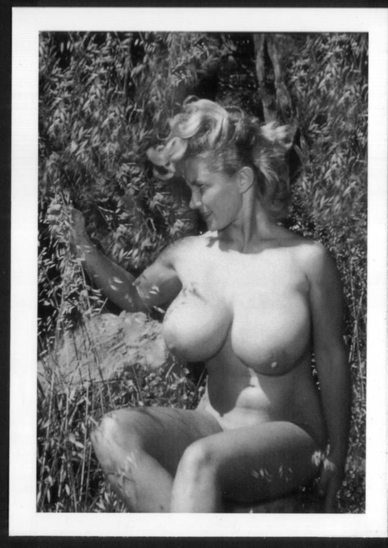 VIRGINIA BELL TOPLESS NUDE HUGE BREASTS NEW REPRINT 5 X 7 #176