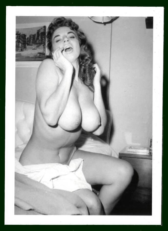 JACKIE MILLER TOTALLY NUDE BIG BREASTS POSE NEW REPRINT 5X7  JM-105
