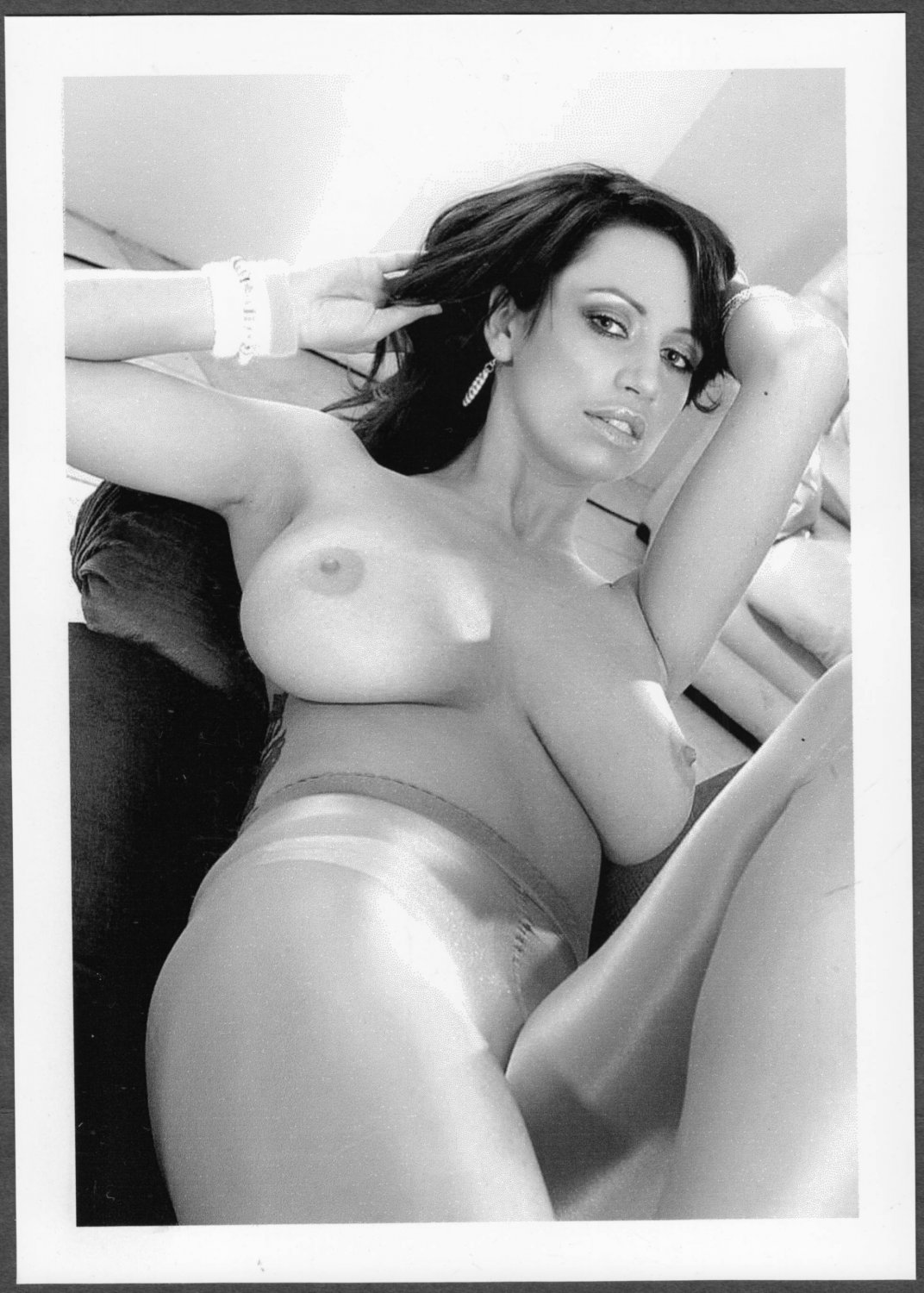 SOPHIE HOWARD TOPLESS NUDE NEW REPRINT PHOTO 5X7   #71