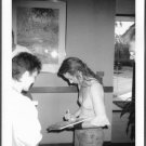 TORI AMOS SIGNS AUTOGRAPHS FOR FAN REPRINT PHOTO 5X7 TA-2