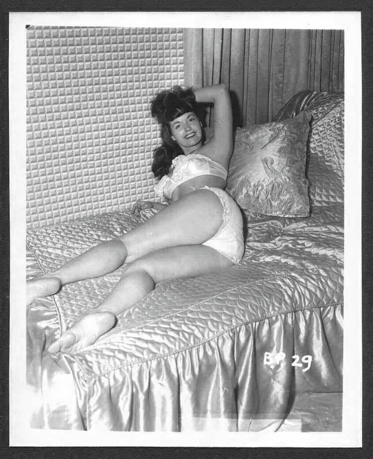BETTY/BETTIE PAGE VINTAGE IRVING KLAW PHOTO 4X5  BP-29