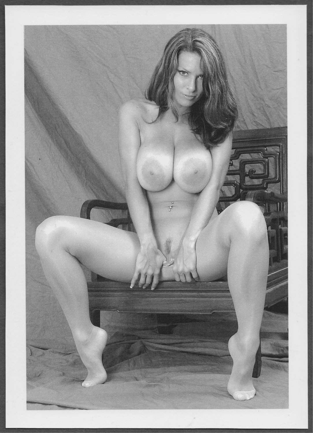 RINA DONALD ALL NUDE HUGE HEAVY HANGING BOOBS BARE PUSSY NEW REPRINT 5 X 7 #26