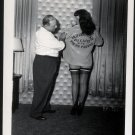 BETTY PAGE POSES WITH IRVING KLAW  IN THIS IRVING KLAW VINTAGE PHOTO 4X5 BP-361