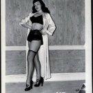 BETTY PAGE BRA PANTIES POSE IRVING KLAW VINTAGE PHOTO 4X5 #2097