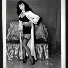 BETTY PAGE BLACK BRA POSE IRVING KLAW VINTAGE PHOTO 4X5 #2112