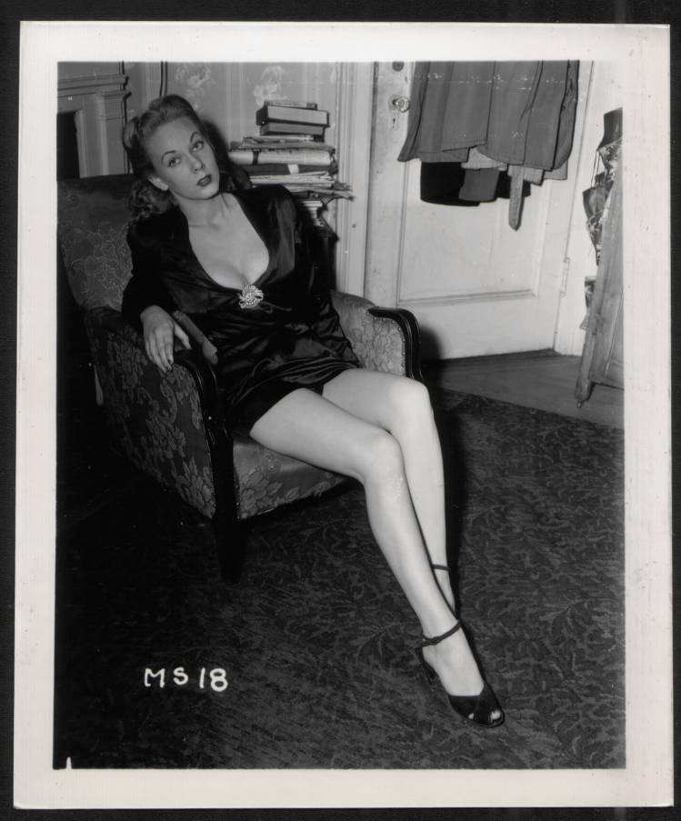 STRIPPER MARGARET ST. JOHN BOSOMY POSE IRVING KLAW VINTAGE PHOTO 4X5 #8