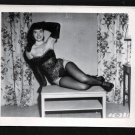 BETTY PAGE BUSTY LEGGY POSE IRVING KLAW VINTAGE PHOTO 4X5  EE-381