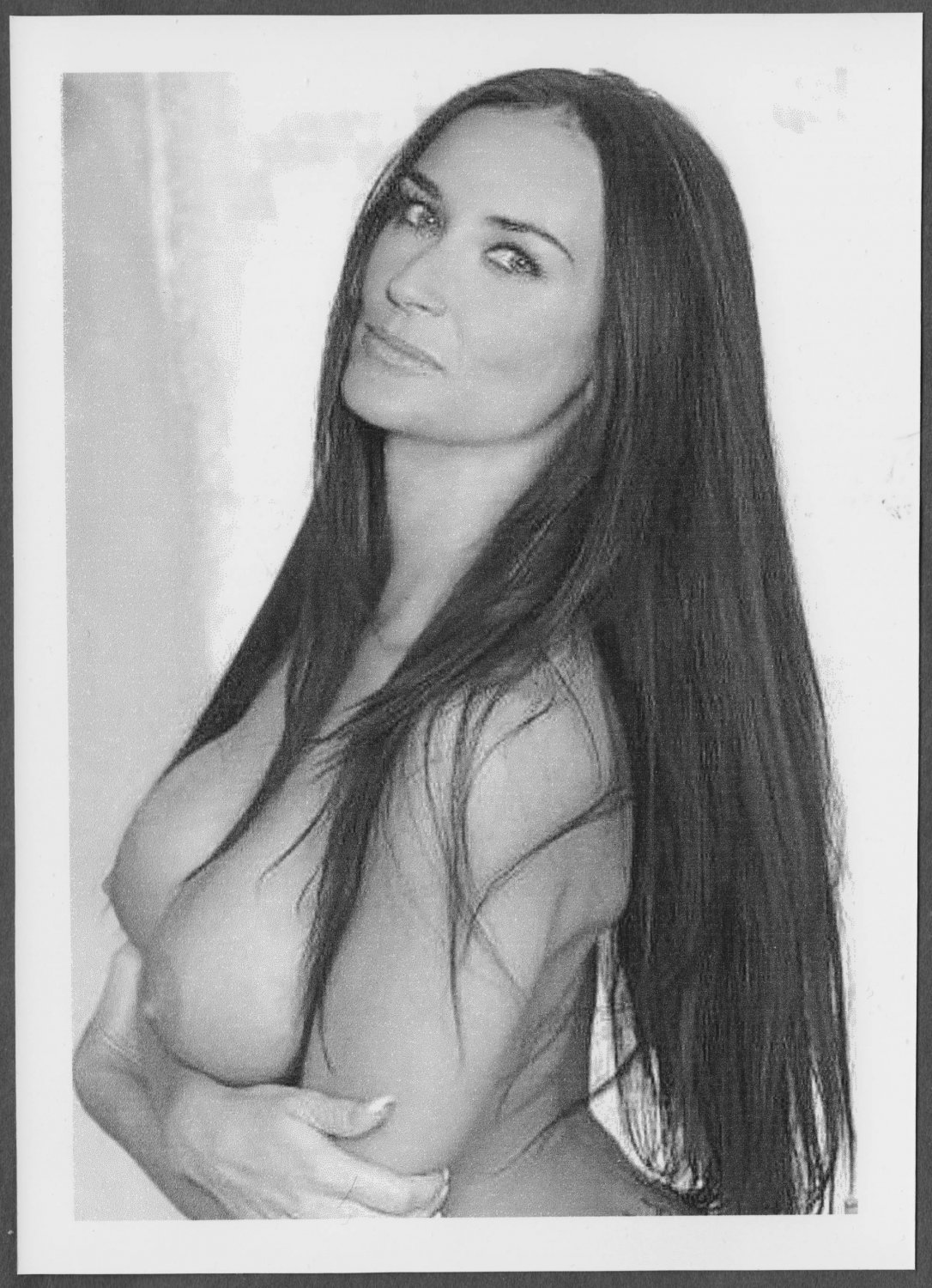 DEMI MOORE TOPLESS BIG LARGE BREASTS POSE 5X7  #007