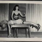 BETTY PAGE & PEGGY RAYE ROPEY HAIRBUSH POSE IRVING KLAW VINTAGE PHOTO 4X5  #7541